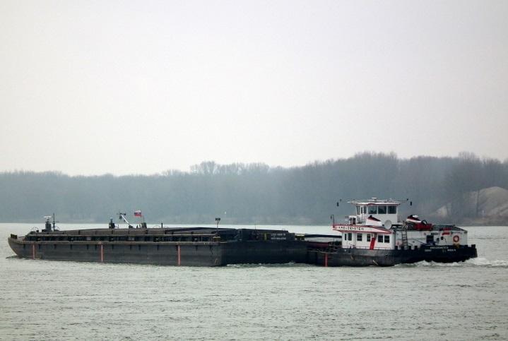Kreuzenstein barge