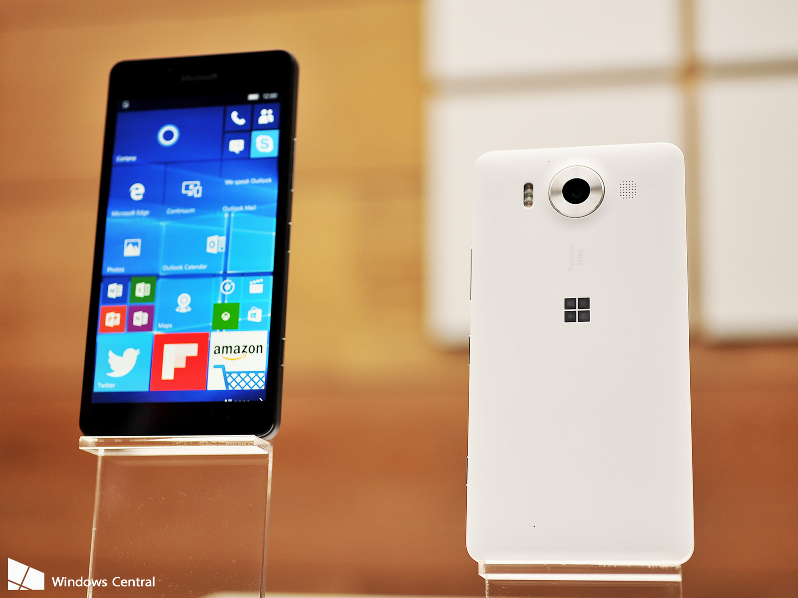 Microsoft Lumia 950 can now be purchased from AT&T for just $298.98