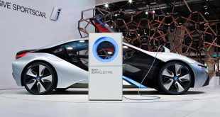 BMW I8 is a remarkable development of the Ultimate Driving Machine