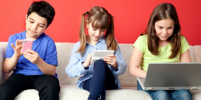 Top Monitoring Apps to Track Your Kid's Smartphone Activities